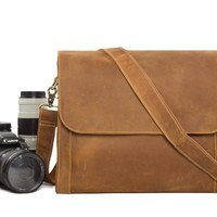 Leather DSLR Camera Bag in Light Tan