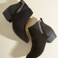Portland By Morning Bootie in Onyx | Mod Retro Vintage Boots | ModCloth.com