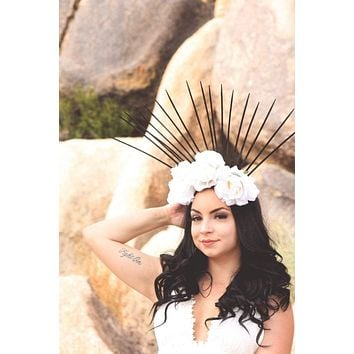 White & Black Spike Crown #L1006