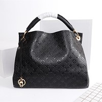 LV Louis Vuitton vintage embossed letters ladies large-capacity shopping shoulder bag handbag