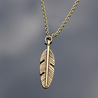 Feather Necklaces Women Retro Colar Fashion Jewelry  Pendant Necklace Bijoux Tree Leaf Cross Feather Elephant Anchor Simulated Pearls
