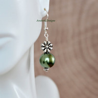 Green pearl bead drop earrings ** Free Shipping within the US**