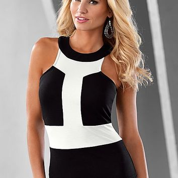 BLACK & WHITE Color block top from VENUS