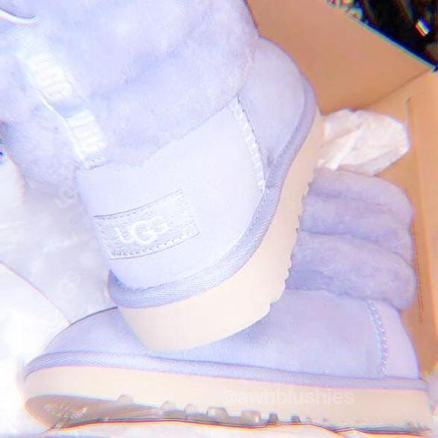 Image of UGG Girls Casual Half Boots Trending Shoes (Adults - Children)Snow Boots