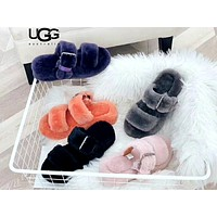 UGG Comfortable non-slip wild plush buckle sandals and slippers