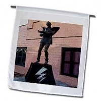 3dRose Fl_49574_1 Embassy Theatre Statue Home of Rocky Horror Picture Show in Hamilton New Zealand Garden Flag, 12 by 18-Inch