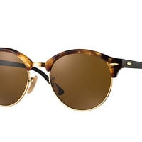 Look who's looking at this new Ray-Ban Clubround Classic