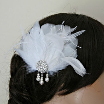 Feather Fascinator, Wedding Hairpiece, White, Vintage Wedding, Art Deco Revival 1920s Special Occasion Pearls Hair Clip