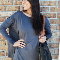 She Keeps It Simple Top: Gray | Hope's