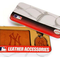 New York Yankees Trifold Wallet & Key Fob Gift Tin - Men