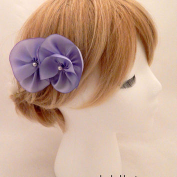 Purple flower comb, purple wedding hair comb, pure silk flower, lavender bridesmaid, light purple comb, wedding hair flowers,