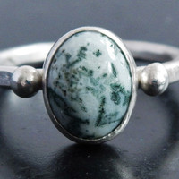 Moss Agate and Sterling Silver Ring, Hammered Ring, Green Stone Ring, Dendritic Agate, Natural Gemstone, Gift for Her, Handmade Boho Ring