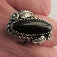 Sterling Silver Signed Ornate Navajo Black Onyx Ring - Sz 7.5 - 6.41g
