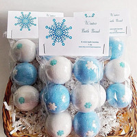 6 Winter bath bomb, 1 oz, white and blue bath bomb, bath bombs, wedding favors, party favors, birthday favors, christmas, stucking stuffer