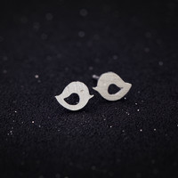 Lovely tiny bird 925 sterling silver earrings,a perfect gift