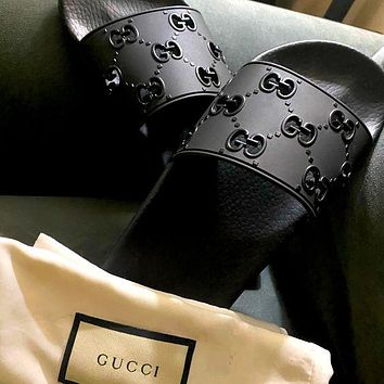 GG solid color hollow letters men's and women's casual slippers Shoes Black