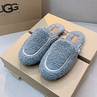 UGG Womens Fluff Yeah slipper