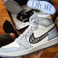 Nike Air Jordan 1 High OG high quality fashion men's and women's high-top basketball shoes casual sneakers