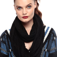 Black Out Cable Knit Chunk Scarf