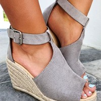 Live It Up Wedges: Grey