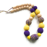 Nursing necklace / Teething necklace - Purple and neon yellow - baby sensory toy, gift for baby - Gift for mom under 30 USD