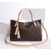 LV Louis Vuitton MONOGRAM CANVAS LYMINGTON HANDBAG SHOULDER BAG