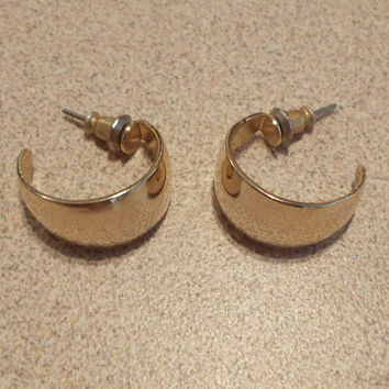 Wide Gold Post Open Hoop Earrings Classic Vintage 80's Style Fashion Jewelry Simple Elegance Modest Cute Ladies Gift Retro Look