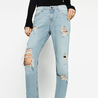 RELAXED FIT MID-RISE JEANS