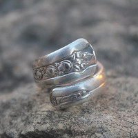 Lovely Spoon Ring Fruit Design Wrap Style Size 10