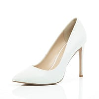 River Island Womens White leather point pumps