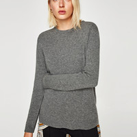 CASHMERE SWEATER DETAILS