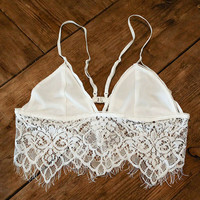 STRAPPY EYELASH LACE BRALETTE