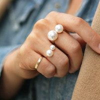 Pearl ring adjustable ring