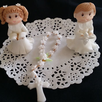 First Communion Cake Topper, Girl or Boy with Rosary Cake Decorations, Girl First Communion Cake, Baptism Cake Topper, Boy First Communion, Girl Baptism Favor