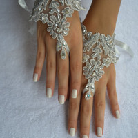 silver wedding glove, Bridal Glove, silver lace cuffs, lace ivory gloves, Fingerless Gloves, bridal gloves  Free Ship ivory silver gloves