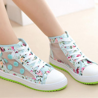 Lovely printed gauze sneaker