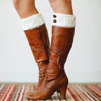 Knitted Boot Cuffs Ivory Short Leg Warmers with Vintage Buttons Faux Boots Socks for a Layered WInter Look
