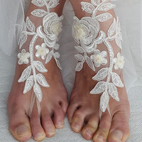 bridal accessories,ivory,lace,   wedding sandals,  shoes,   free shipping!   Anklet,   bridal sandals,  bridesmaids,  wedding  gifts.......