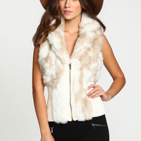 Creamy Faux Fur Ribbed Zip Up Vest