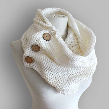 Chunky Scarf, Oversized Scarf, Knit Infinity Scarf, Fashion Scarves For Women, Christmas Gifts For Women, Fall Fashion Accessories