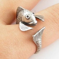 Retro Adjustable Silver Fish Animal Wrap Ring