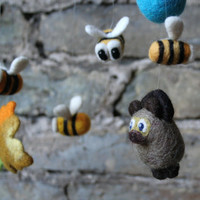 Needle felted nursery mobile - bear and bees, Winnie the pooh and bees