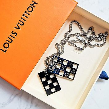 LV new embossed letter empty square necklace