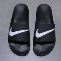 NIKE Fashion casual men and women flip flops ShoesBlack Small C-A-HRWM White hook