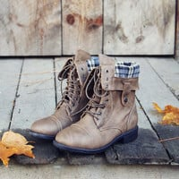 The Lodge Boots in Ash