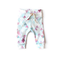 Organic Drawstring Leggings in Orchid Watercolor