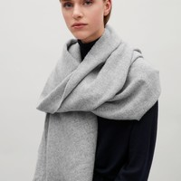 Oversized wool scarf - Grey - Hats, Scarves & Gloves - COS US