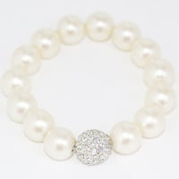 Little Girls Stretch Pearl Bracelet with Stone Bead