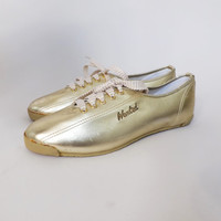 Vintage 1980s Size 7.5 Womens Gold Wanted Sneakers Shiny Golden Lace up Bowling Shoes Boho Urban Hipster Punk Casual Adventure Sneakers