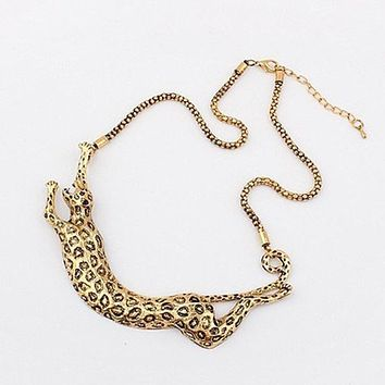 Hot Selling Necklace - Europe Gold Exaggerated Metal Leopard Necklace Women's Leopard Necklace